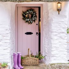 Step inside this idyllic thatched cottage with gorgeous Scandi interior Irish Cottage, French Cottage, Cozy Cottage, Cozy House, External French Doors, English Cottage Interiors, Scottish Cottages, Cottage Front Doors, House Doors