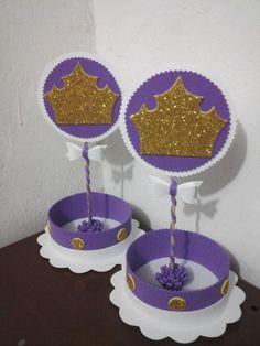 Centro de mesa princesa Sofia   todo confeccionado no e.v.a com aplique de coroa dourada   pode ser feito com pega balão tbm acrescentar 0,50 em cada.     Boa opção para enfeitar a mesa de seus convidados   e por doces variados, ou até mesmo salgados a vontade.