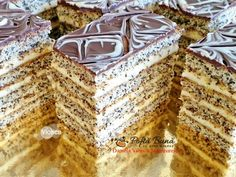 Prajitura Viorica cu mac si crema de branza cu vanilie Romanian Desserts, Romanian Food, Chocolate Chip Recipes, Mint Chocolate Chips, Pumpkin Dessert, Pumpkin Cheesecake, Tiramisu Cake, No Cook Desserts, Cake Boss