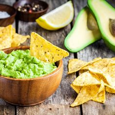 tortilla guacamole avocado nachos