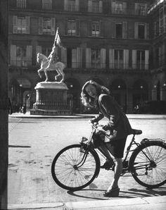 Barbara Laage Paris 1946 Photo: Nina Leen