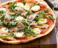 Pizza með mozzarellaosti og camembert
