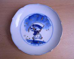 """Маленький Мук, фарфоровая тарелка Германия, оригинал Мейссен 1960-х, форма середины 20 века """"Аквалиния"""". Подглазурная и надглазурная роспись. Клеймо естественно подглазурное, диаметр около 18 см - 6 800 руб."""