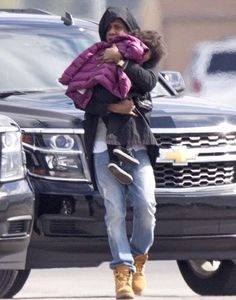Sleepy Blue & Jay As They Got Ready To Board A Jet Out Of New Orleans  17.11.2014