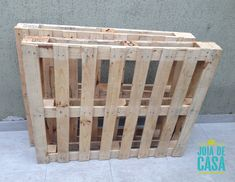 Móvel-bar de pallets | Joia de Casa Pallet Garden Furniture, Diy Outdoor Furniture, Diy Furniture, Diy Pallet Projects, Projects To Try, Home Hair Salons, Pallet Bar, Man Cave Home Bar, Diy Bar