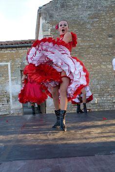 robe de french cancan créé par Stravaganza pour cabaret parisien;