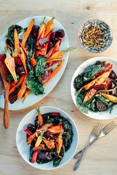 Salat aus Grillgemüse mit Knoblauch-Dressing und Kürbiskernen