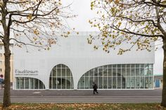kid curve Auditorium Of Bondy & Radio France Choral Singing Conservatory / PARC Architectes Innovative Architecture, Arch Architecture, Baroque Architecture, Cultural Architecture, Commercial Architecture, Contemporary Architecture, Architecture Presentation Board, Building Facade, Shop Front Design