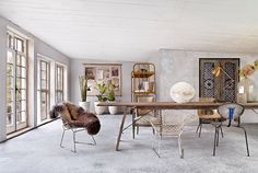 Marie Olsson Nylander Home House Inspiration white interior bedroom bathroom dining room natural white timber concrete light outdoor Sweden House, Turbulence Deco, Living Spaces, Living Room, Scandinavian Home, Minimalist Scandinavian, Minimalist Interior, Beautiful Interiors, Interior Inspiration