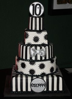 Black and White Anniversary cake by its-a-piece-of-cake, via Flickr