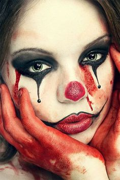 Easy Clown Halloween Makeup Ideas & Looks 2018 Girl Clown Makeup, Jester Makeup, Creepy Clown Makeup, Scary Clown Costume, Circus Makeup, Scary Clowns, Womens Clown Makeup, Scary Clown Face, Maquillage Halloween Clown