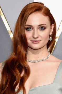 Mais inspirações do Oscar: red carpet + festas - Dia de Beauté