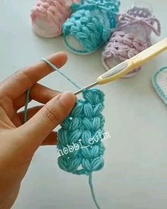 Mode Crochet, Crochet Cord, Crochet Basics, Diy Crochet, Crochet Crafts, Crochet Projects, Simple Crochet, Crochet Hooks, Crochet Basket Pattern