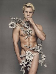 Growing wild Poses, Flowers For Men, Metal Flowers, Homo, Flower Boys, Gay Art, Male Beauty, Gay Pride, Male Body