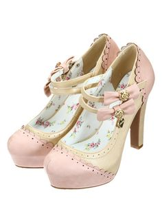 These sweet lolita heels are soooo cute! Pretty Shoes, Beautiful Shoes, Cute Shoes, Me Too Shoes, Kawaii Fashion, Lolita Fashion, Cute Fashion, Fashion Shoes, Kawaii Shoes