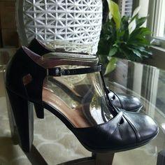 Nine West Shoes - T- strap heels w/cutouts