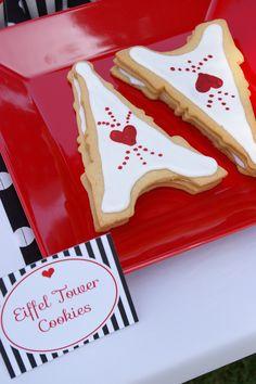 Eiffel Tower sugar cookies! Oh la,la!!  http://www.emmysevents.com