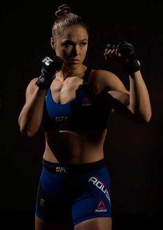See More in Pontirest Female Mma Fighters, Ufc Fighters, Ronda Rousey Mma, Ronda Rousy, Judo Training, Amanda Nunes, Rowdy Ronda, Ufc Women, Beautiful Athletes