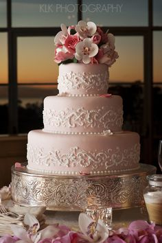 pink wedding cake, sunset, klk photography