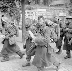 THE BRITISH ARMY IN FRANCE 1940. Troops on their way to the port at Brest during the evacuation of British forces from France, June 1940.