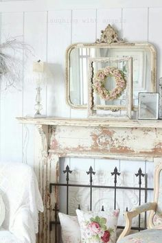 8 Skillful Tips: Shabby Chic House Gardens farmhouse shabby chic bedroom.Shabby Chic Home Vintage. Bureau Shabby Chic, Shabby Chic Mode, Shabby Chic Office, Estilo Shabby Chic, Shabby Chic Living Room, Shabby Chic Bedrooms, Shabby Chic Kitchen, Bedroom Vintage, Shabby Chic Style