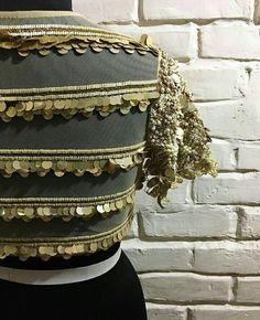 Saree Blouse Patterns, Saree Blouse Designs, Blouse Styles, Manish Malhotra Bridal Lehenga, Blouse Desings, Stylish Blouse Design, Lehenga Designs, Indian Ethnic Wear, Long Blouse