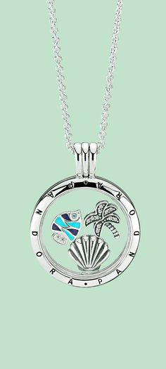 A seashell, a colourful fish and a palm tree - gorgeous miniature reminders of tropical idyll. Add these sweet petite to you personal floating locket to illustrate your holiday story. Or mix in other sparkling elements to recreate your everyday paradise.