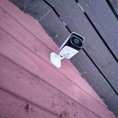 Images FHD Haute Qalité: Avec une résolution de 1920* 1080P,vous pouvez parfaitement enregistrer les moments de croissance de votre enfant et enregistrer les merveilleux moments de la famille et des animaux domestiques. Vision Nocture: 9 LEDs infrarouge 850nm vous permet de visionner une vision nocturne extra-claire pendant la nuit jusqu'à 30 pieds, vous offrez une très fluide et claire vidéo et image toute la nuit. Audio Bidirectionnel: Avec le microphone et le haut-parleur intégrés, vous pouve Camera Surveillance Wifi, Carte Sd, Nocturne, Mp3 Player, Images, Personalized Items, Night, Kid