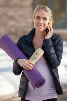 Kristin Cavallari leaves the gym with some beauty essentials, including her Suave Professionals Natural Infusion Macadamia Shampoo.