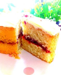 White Belgian chocolate & strawberry cake......yum!