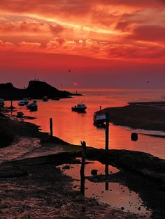 Bude sunset, North Cornwall, UK by Michelle McDonald North Cornwall, Devon And Cornwall, Cornwall England, Bude Cornwall, Places To Travel, Places To Visit, St Just, Amazing Sunsets, Beautiful Sunrise