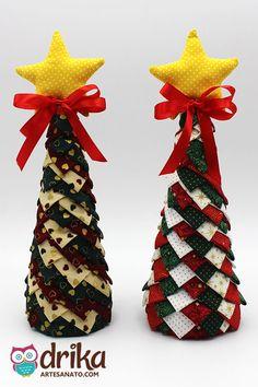 Árvore de Natal Decorada com Tecido