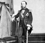 Cartelera DF: Maximiliano sobrevivió descalzo hasta la edad de 1...