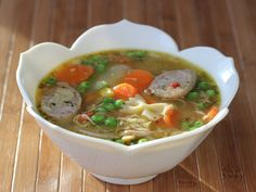 Chicken Thighs Soup - Best Recipes Around The World Vegetable Noodle Soup, Vegetable Soup With Chicken, Chicken Noodle Soup, Chicken And Vegetables, Chicken Thighs Soup, Peanut Stew Recipe, Mulligatawny, Recipetin Eats, Chicken Sausage