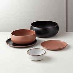 Natural terracotta peeks through at the edges of this glazed matte dinnerware. Madera dinnerware collection mixes neutral glazes and natural edges for a fresh take on dinner service. Yellow Dinnerware, Bone China Dinnerware, Modern Dinnerware, Dinnerware Sets, Farmhouse Dinnerware, Plates And Bowls, Salad Plates, Serving Utensils, Ceramic Art