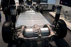 Tesla Model S battery and motor drivetrain Electric Motor For Car, Tesla Electric Car, Electric Car Conversion, Electric Cars, Electric Vehicle, Tesla Car Battery, Battery Logo, Tesla Motors Model S, Tesla Models