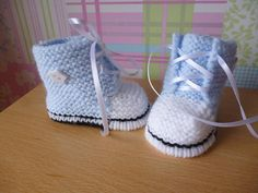 Knitting pattern no 1 (instant download) for baby booties, to knit in size 0-3 months.
