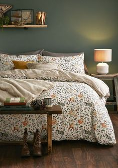 Bedroom Green, Cozy Bedroom, Bedroom Inspo, Romantic Master Bedroom, Budget Bedroom, Cottage Bedroom Decor, Nature Bedroom, Earthy Bedroom, Modern Bedroom