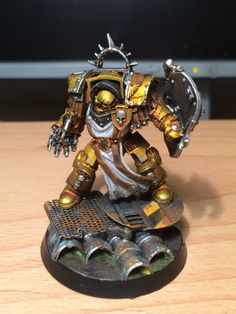 Captain Anvillach of the Imperial Fists (Herecy era) by corai on http://www.bolterandchainsword.com/topic/289906-heresy-era-imperial-fists-metallic-colour-scheme/page-2