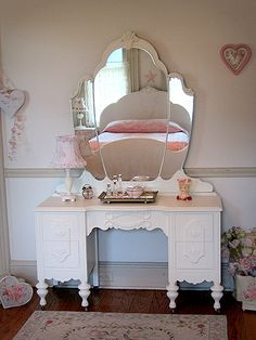 318b7ccd4f4 Stunning White Antique Vanity with Tiara Mirror