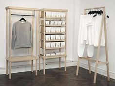49 Modern Wardrobe Designs To Store Your Clothes In - 2020 Home design Clothes Storage Systems, Clothing Storage, Clothing Displays, Clothing Racks, Wardrobe Design, Modern Wardrobe, Simple Wardrobe, Retail Interior, Retail Space