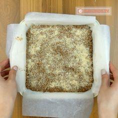 O prăjitură de post fără coacere, FĂRĂ făină și fără zahăr - nu te mai poți sătura de ea - savuros.info Food Cakes, Raw Vegan, Biscotti, Cake Recipes, Deserts, Goodies, Food And Drink, Mai, Bread