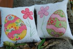Easter Cushions - Free Pattern and Instructions - These two little Easter cushions took all of an hour to make last night.