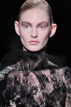 Valentino Fall 2010 Ready-to-Wear Collection - Vogue