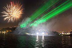 Boğaziçi köprüsü altında ve Gökyüzüne renkli lazerle sevdiklerinizin doğum günlerini kutlayabiliriz.