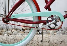 oh to have a customized beach cruiser. oh to have a beach to cruise!
