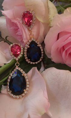 Σκουλαρίκια κρεμαστά για βραδυνές εμφανίσεις . #κοσμήματα #σκουλαρίκια #greekjewerly #greekfashion Sapphire, Drop Earrings, Swarovski, Jewellery, Products, Fashion, Moda, Jewels, Fashion Styles