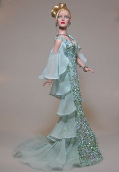 #doll #gowns   annrast.com 12.20.3 qw
