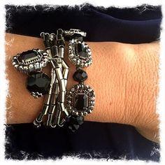 Du jour! Pulseira canutilho e cristais Rs 50,00 cada. Compras pelo WhatsApp 👉🏼 (21) 98741-8778 #jewelry #acessoriosfemininos #accessory #fashionaddict #style #bijoux #instadaily #handcrafted #bohochic #acessoriosonline #riodejaneiro #atelie #pulseiras #pulseirismo #pulseirismododia #fashion #bracelets #cristais