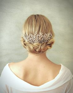 Simple Hairpiece In Silver For Winter Wedding Hairstyle Hair
